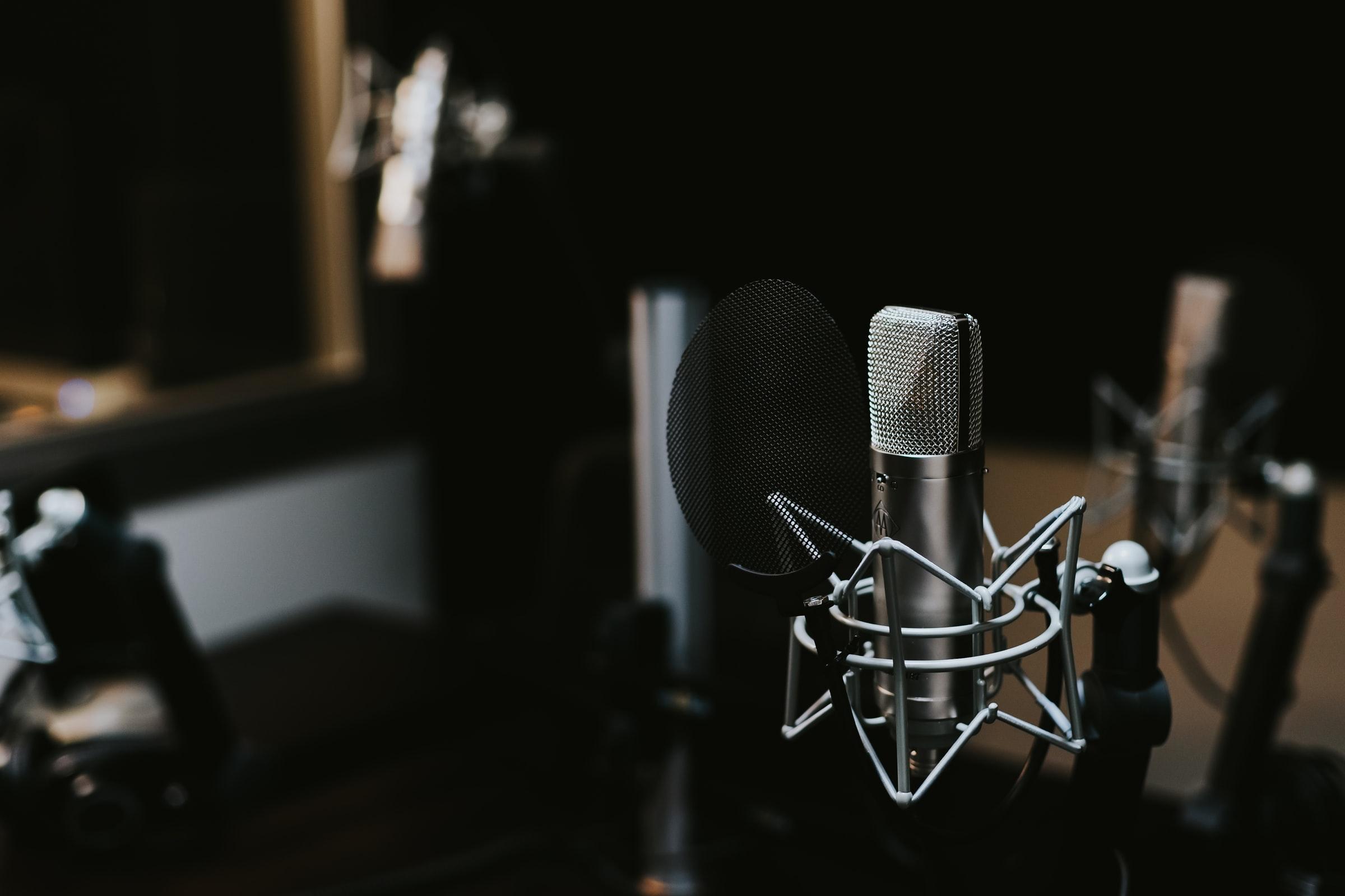¿Cansado de las frases genéricas de la radio?